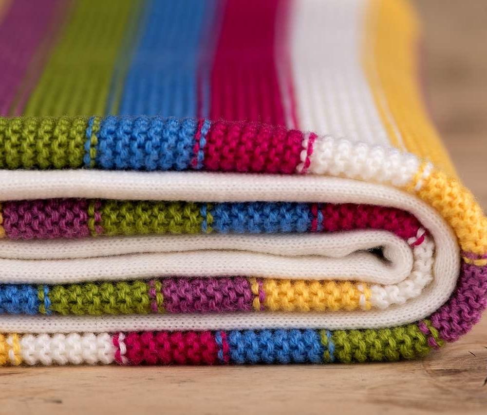 gestreifte Decke Regenbogen, 100% Merinowolle, Rand weiß