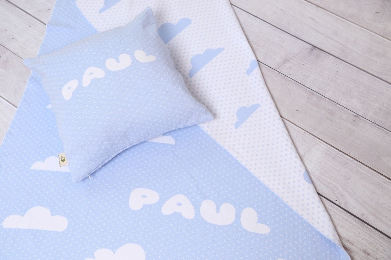 set wolkenhimmel deine decke und kissen mit namen bio babydecke. Black Bedroom Furniture Sets. Home Design Ideas
