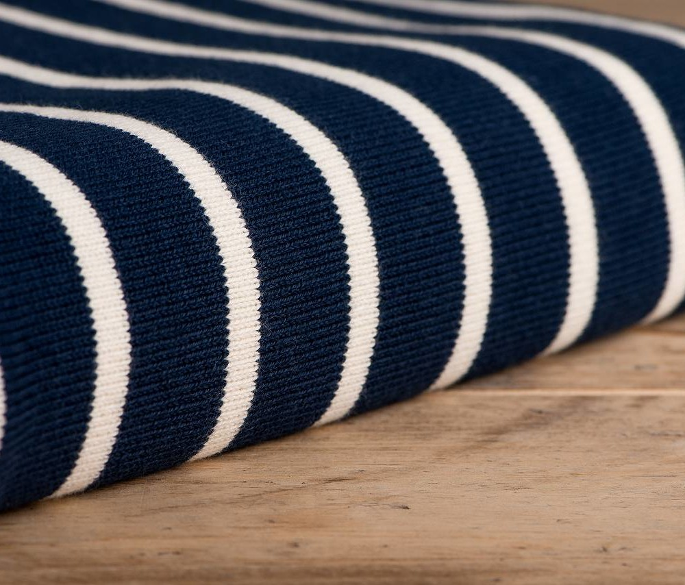 gestreifte tagesdecke aus biobaumwolle dunkelblau wei luxus. Black Bedroom Furniture Sets. Home Design Ideas